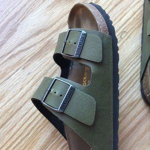 6b92aa0aa284 Birkenstock Shoes - Birkenstock Arizona Birko-Flor Pull Up Olive